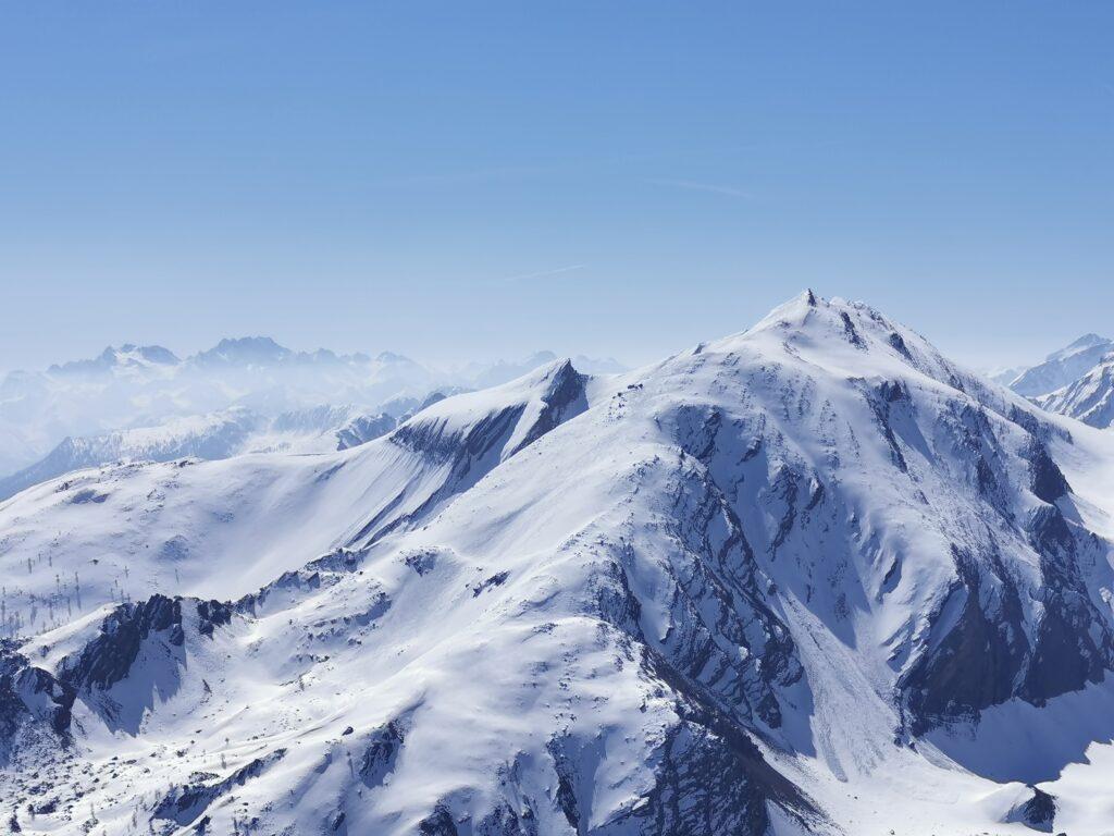 montagne valle stura con neve